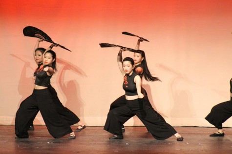 The Chinese Student Association incorporated pop culture songs into their dance routines.