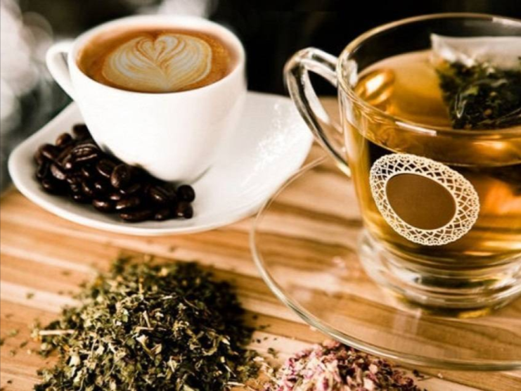 In+moderation%2C+coffee+and+tea+can+be+incredibly+healthy.+It+is+only+when+consumed+in+excess%2C+that+coffee+and+tea+may+have+dangerous+side+effects.+
