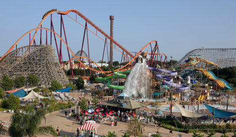 Students involved in Student Government take a trip to Six Flags